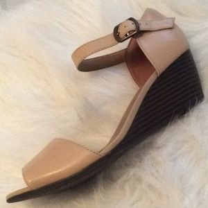 7.5 Clark's Collection Tan Wedge Sandals